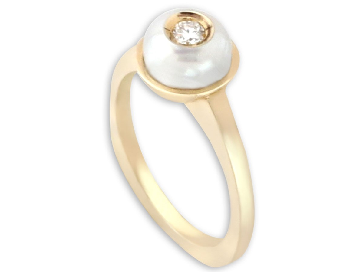 Galatea Diamond in a Pearl Ring by Galatea